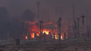 Incendio in spiaggia a Catania lido divorato dalle fiamme