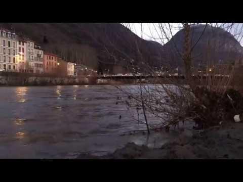 L'Isère en crue ce mardi 23 janvier à Grenoblede YouTube · Durée:  21 secondes