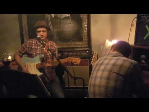 Dan Loftus & Kian Byrne - Wasted Days (slackers cover) live @ Ca' Va KCMO