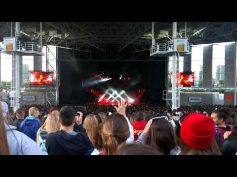 twenty one pilots |-/ Molson Canadian Amphitheatre, Toronto - Fairly Local / Heavydirtysoul (LIVE)