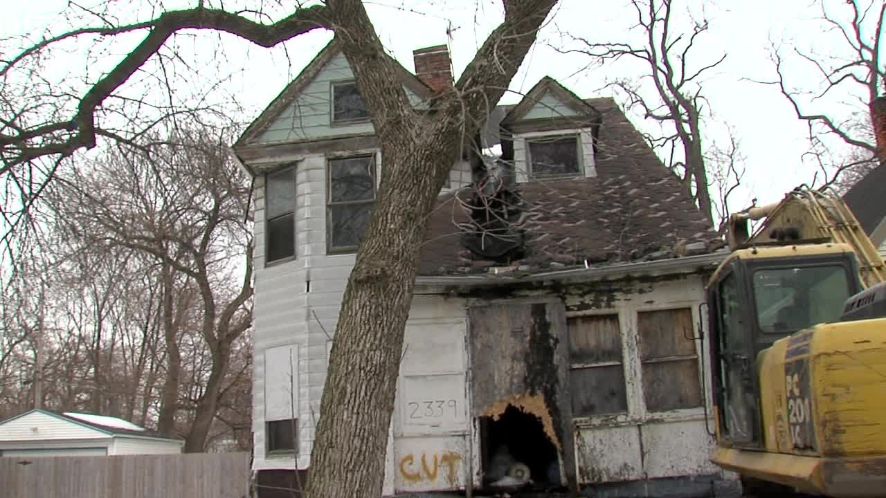 974a4de6e7448 Cleveland House Demolition - McGinty Presser - E.90th Street - YouTube
