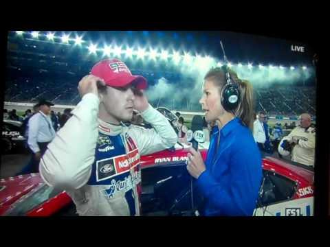 2017 NASCAR Go Bowling 400 Kansas Finish