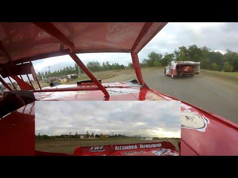 Jeff Crouse Slider on Jon Crouse.  Viking Speedway.  9/1/19