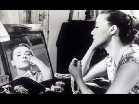 Jeanne Moreau  The Intelligent  Complex Star Who Lit Up The French New Wave