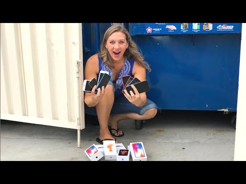 DUMPSTER DIVING- SHE FOUND APPLE IPHONES! IN A DUMPSTER!