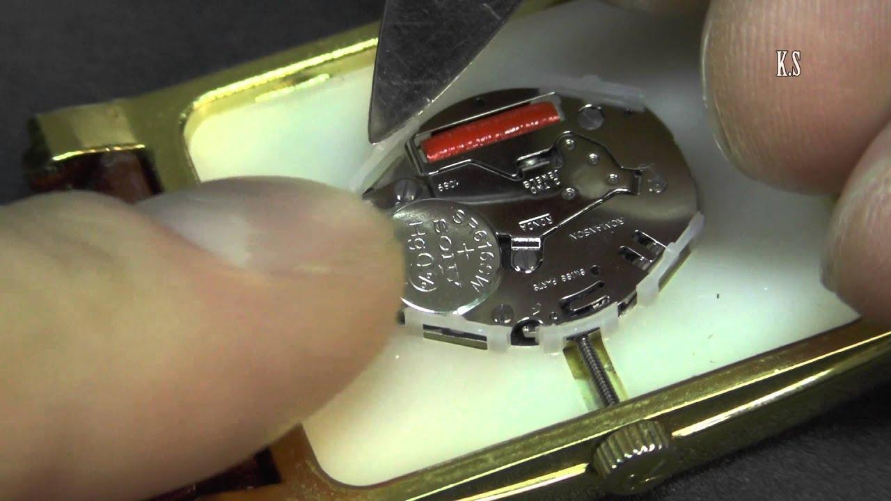 Куда вставлять батарейки в наручные часы купить копия часов дешево