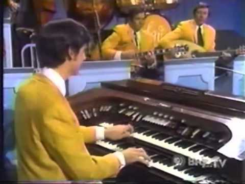 The Lawrence Welk Show - Broadway Musicals - Norma Zimmer Interview - 11-27-1971