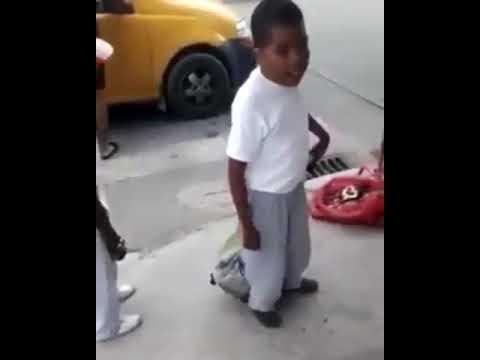 """El niño que no puede decir """"Hasta que nos vengan a - YouTube"""
