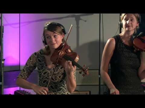 Di Grine Kuzine & Sher - Yxalag Klezmer Band (live@mute solo)