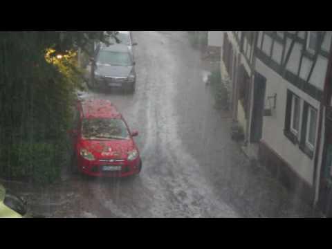 Heftiges Unwetter über Hofheim am Taunus mit schwerem Hagel