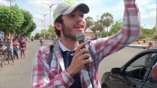 Professores de Quixeré saem as ruas clamando por justiça e segurança