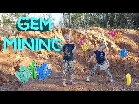 KIDS GEM MINING shovels buckets and lots of dirts trying to find gems in the ground with Harzel streaming vf