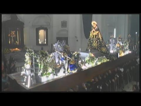 Salida de la Virgen de Soledad del Templo Recoleto
