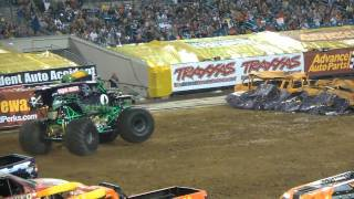 MONSTER JAM FREESTYLE in Jacksonville, FL - GRAVE DIGGER 2/26/2011