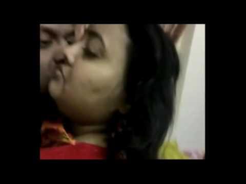 Real Hot Kissing On videos thumbnail