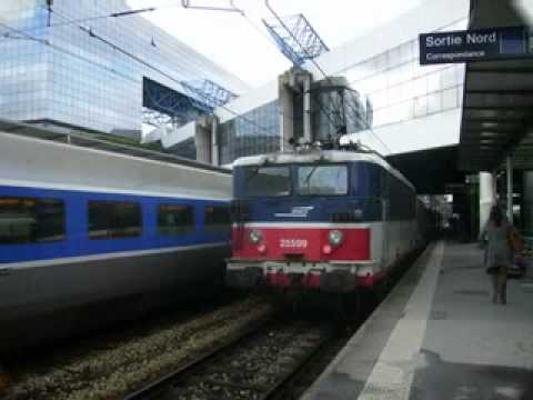 RENNES railway station  &  trains
