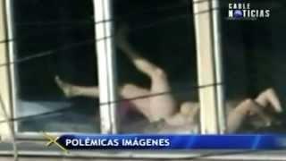 Destituyen a magistrada por tomar el sol desnuda en su despacho