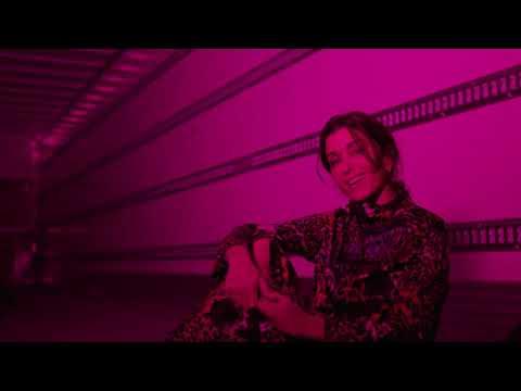Смотреть клип Jenifer - Comme CEst Bon