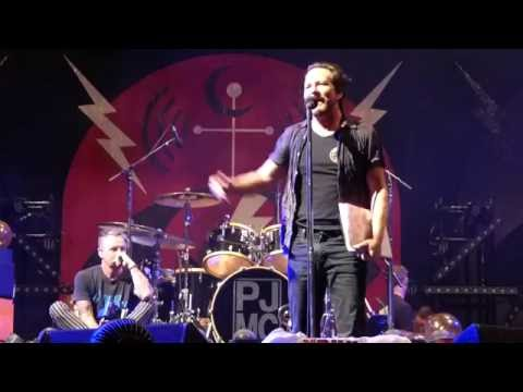 Pearl Jam - Smile - Fenway (August 7, 2016)