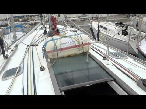 Sailing boat - Youtube videos - J 22 J-Boats