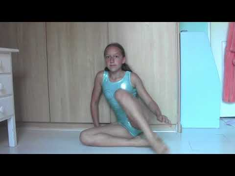 Warmup / Stretshing routine for beginers   Rebecca The Gymnast