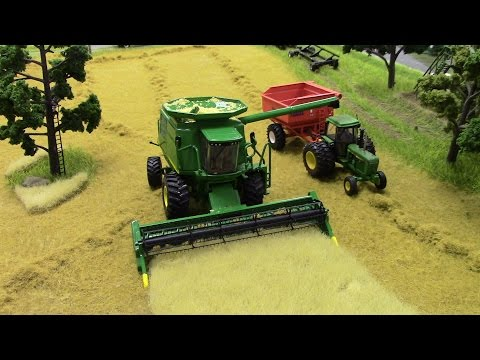 2016 National Farm Toy Show 2nd Place Small Scale Division: Christian Oyster