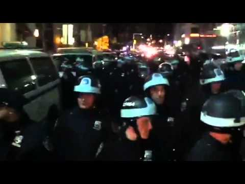 Zuccotti Park riot squad approaches barrier