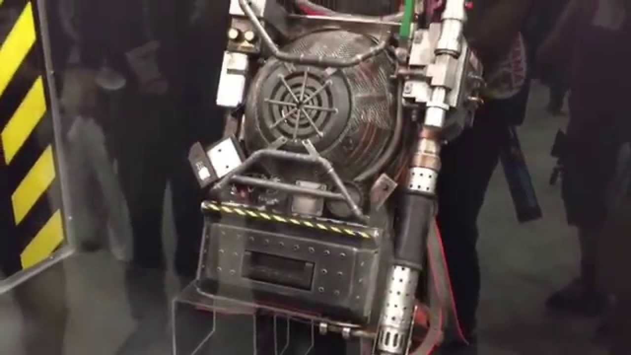 Ghostbusters Movie Reboot Unveils New Proton Pack Melissa Mccarthy Comic Con 2015 Exclusive