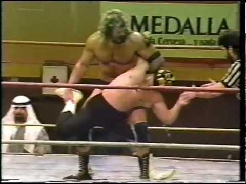 WWC: Scott Hall & Motor City Madman vs. The Invaders (1991)
