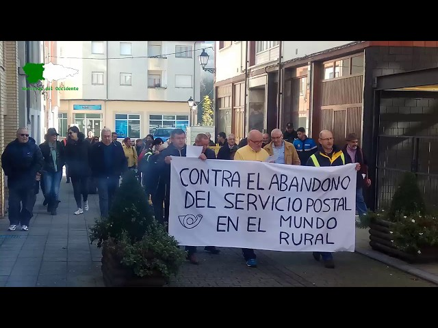 Protesta de carteros en Allande a ritmo de Vaqueirada 18/11/2017