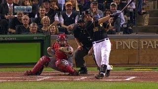 CIN@PIT: Martin blasts homer after fans rattle Cueto