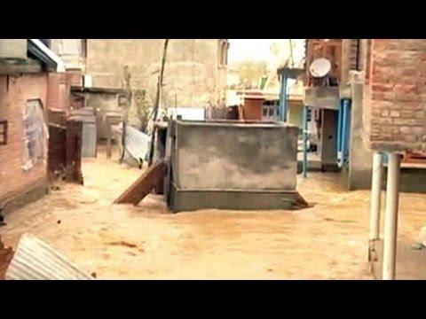 Rain again in flood-hit Srinagar, heavy showers predicted today