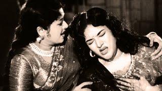 Pran tries to kill Vaijayantimala - Raj Tilak, Action Scene 10/10