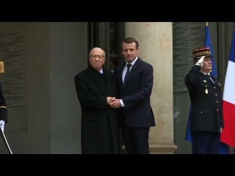 Arrivée du président tunisien Essebsi à l'Elysée