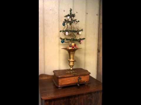 Kalliope Christmas Feather Tree Music Box