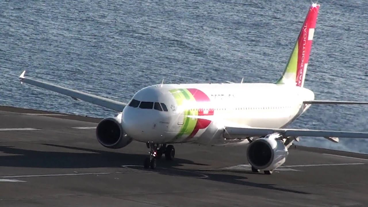 Tap Portugal Descolagem Aeroporto Da Madeira Funchal Youtube