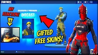 Im Gifting FANS Free Red Knight And DieCast Skins On Fortnite! (Fortnite Gift Method!)