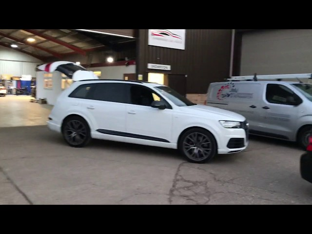 Audi SQ7 2018 - Detachable Towbar with a dedicated electrics system   CBS Automotive