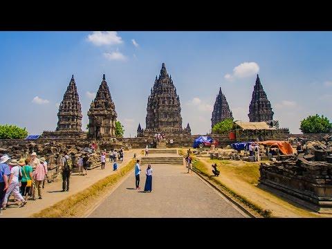 DAY 2 IN JOGJA/YOGYAKARTA - CANDI BOROBUDUR + PRAMBANAN | GUDEG YUDJUM || irwancorner