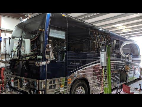 EDDIE MONEYS PREVOST TOUR BUS
