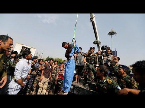 اليمن: اعدام شاب وتعليقه على رافعة لتورطه باغتصاب وقتل طفلة  - 15:21-2017 / 8 / 14