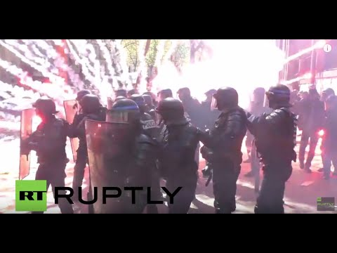 LIVE: French capital faces new wave of protests on May Day over labour reforms