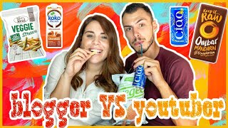Δοκιμάζουμε Βιολογικά snacks και social media gossip!  youtuber VS blogger feat. Daphnia Neofytou