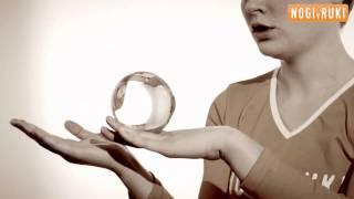 Контактное жонглирование. Palm-cradle Transfer.(Видеошкола по контактному жонглированию. Как научиться контактному жонглированию? Делать Palm-cradle Transfer..., 2011-02-25T10:56:49.000Z)