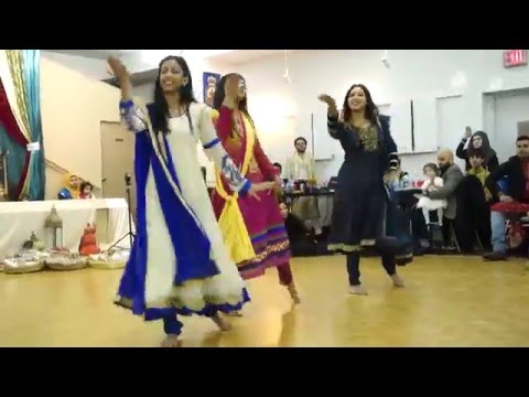 Tasin & Nusrat Gaye Holud Best Mehndi Dance of 2015 - 2016