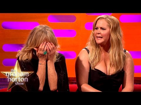 AMY SCHUMER SAYS SHE WISHES GOLDIE HAWN WAS HER REAL MOM.