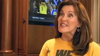 SON DRESSES LIKE MOM FOR NBA FINALS TICKETS FUN (CNN)