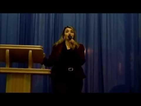 Deus Trabalha No Silêncio - Soraya Moraes