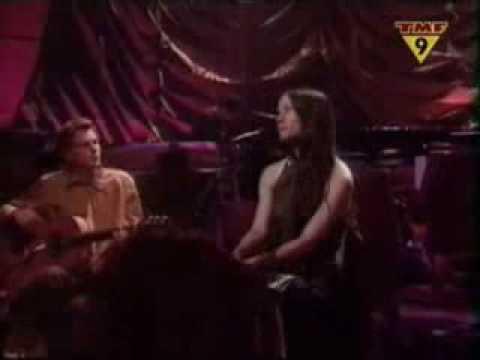 ALANIS MORISSETTE - KING OF PAIN ( unplugged 1999)