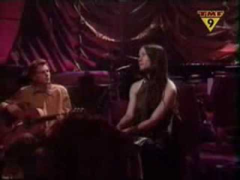 ALANIS MORISSETTE - KING OF PAIN ( unplugged 1999)